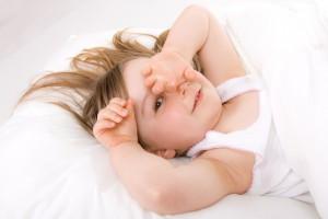 Приучаем ребёнка спать одному