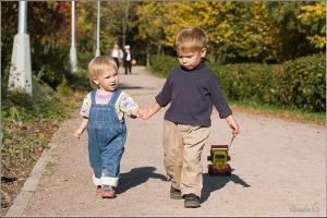 Учим ребенка осторожности на улице