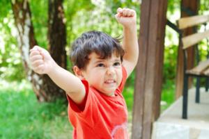 Как исправить агрессивного ребенка